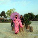 Foto Prewedding di Pantai Pasir Perawan Kepulauan Seribu